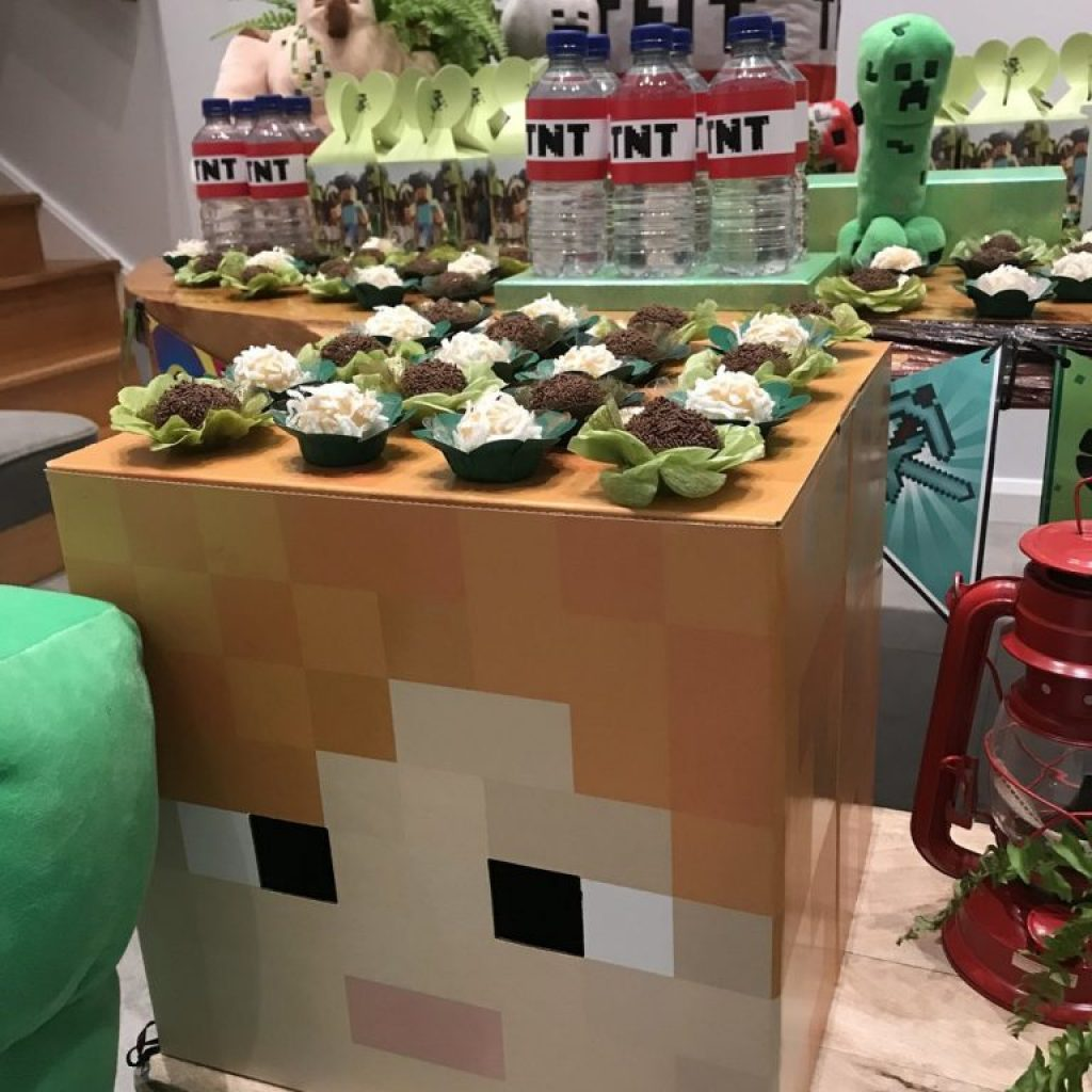 Minecraft Party set up by Kelly Danis